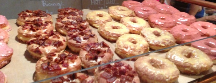 Union Square Donuts is one of Tempat yang Disimpan Amanda.