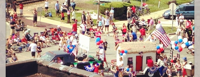 Brookfield Independence Day Parade is one of Favorites!. :).