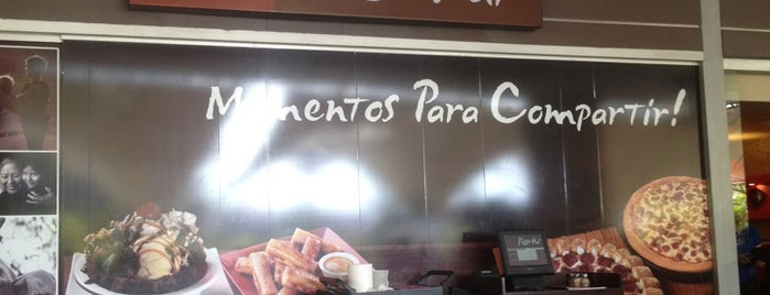 Pizza Hut is one of Lugares Visitados.