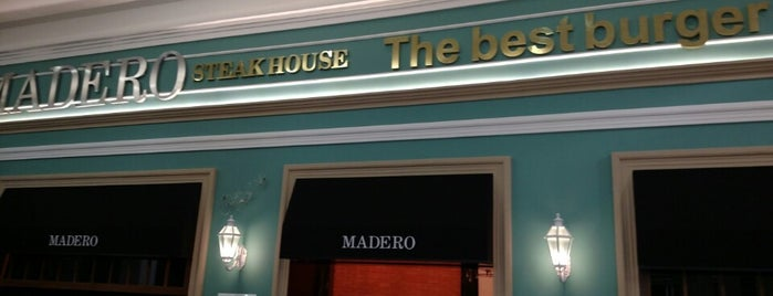 Madero Steak House is one of Tempat yang Disukai Alisson.