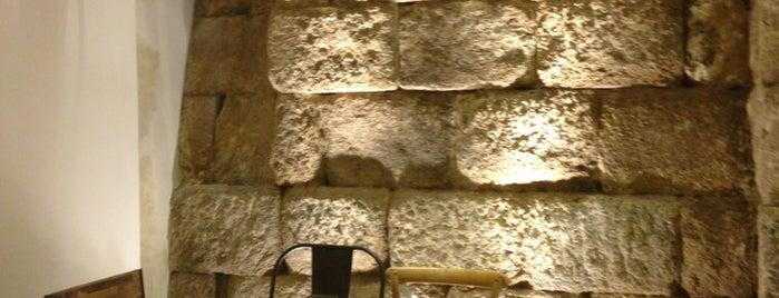 A De Arco is one of สถานที่ที่ Miguel ถูกใจ.