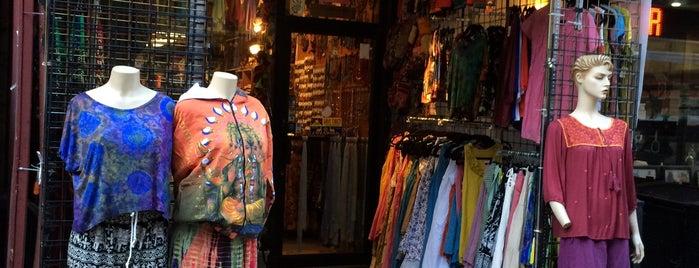 Mandala Tibetan Store is one of Locais curtidos por Janet.