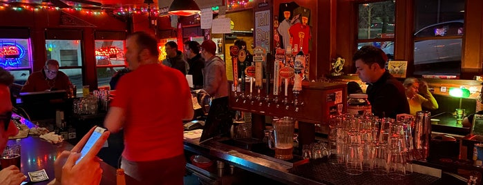 Streamline Tavern is one of Chris Gunrackさんのお気に入りスポット.