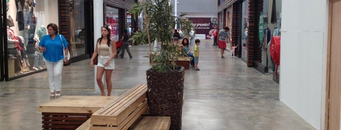 Arauco Premium Outlet Buenaventura is one of Santiago de Chile.
