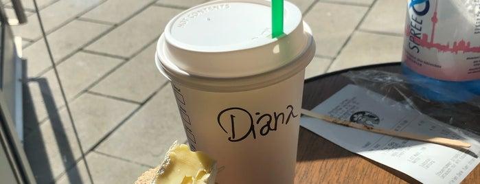 Starbucks is one of Tempat yang Disukai Max.