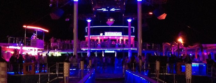 Club Catamaran is one of Nite Nite.