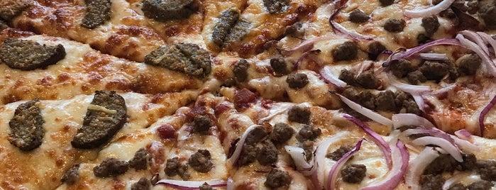 Rotolo's Pizzeria is one of Lugares favoritos de Ayana.