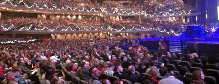 Willow Creek Community Church is one of Lugares favoritos de Darren.