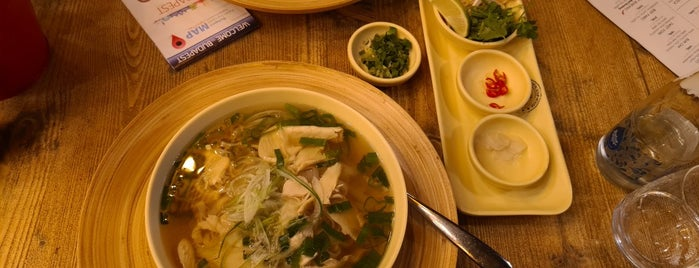 Oriental Soup House (Osho) is one of Lugares favoritos de Angel.