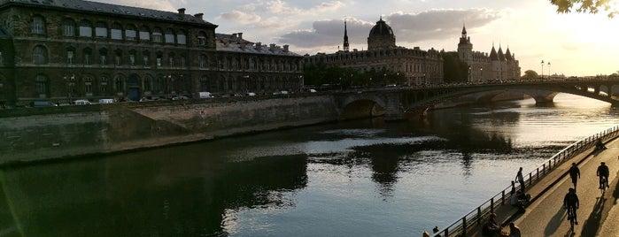 Berges de Seine –Rive droite is one of Richard 님이 좋아한 장소.
