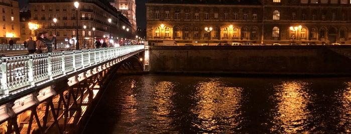 Parc Rives de Seine is one of Tempat yang Disukai Richard.