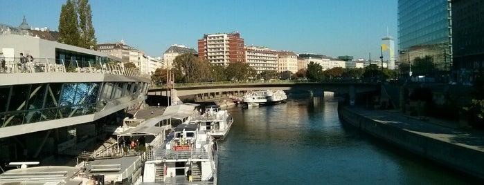 Schwedenbrücke is one of Karl : понравившиеся места.