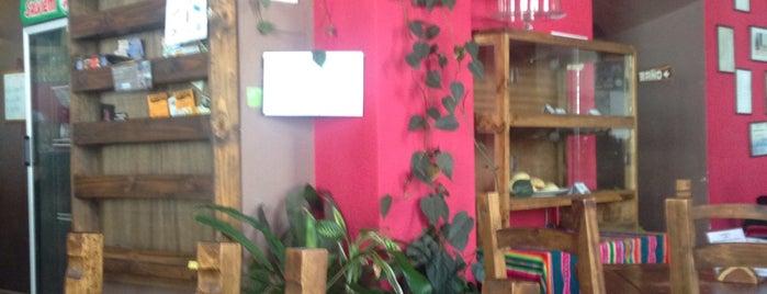 El Condor Café is one of Posti che sono piaciuti a Nelly.