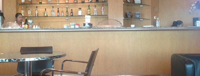 Priority Pass Lounge is one of Locais salvos de Jorge.