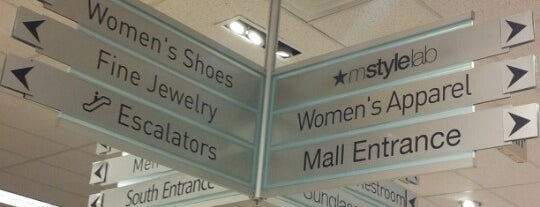 Macy's is one of Lilli's Liked Places.