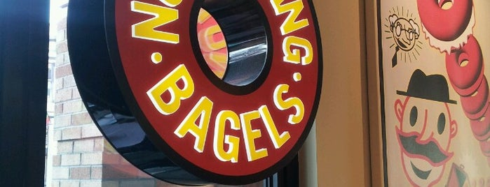 Einstein Bros Bagels is one of Lieux qui ont plu à Mike.