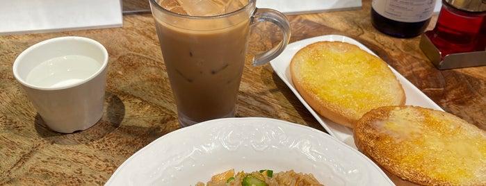Tsui Wah Restaurant is one of สถานที่ที่ Shank ถูกใจ.