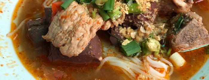 ขนมเส้นป้าอิ๊ด&ลุงพงษ์ is one of เชียงใหม่_5_noodle.