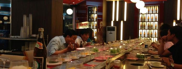 Kichi Kichi Nguyen Duc Canh is one of Posti che sono piaciuti a Hà Vũ.