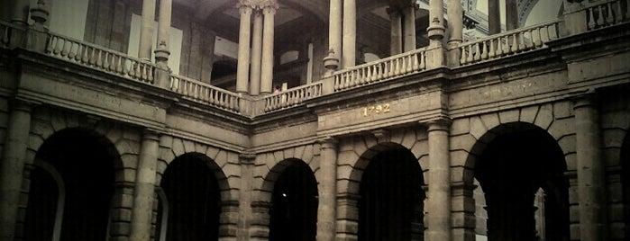 Palacio de Minería is one of Ciudad de México y alrededores.