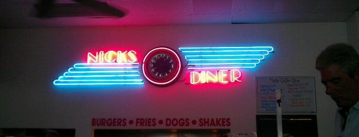 Nick's Diner is one of Tempat yang Disukai Gillespie.