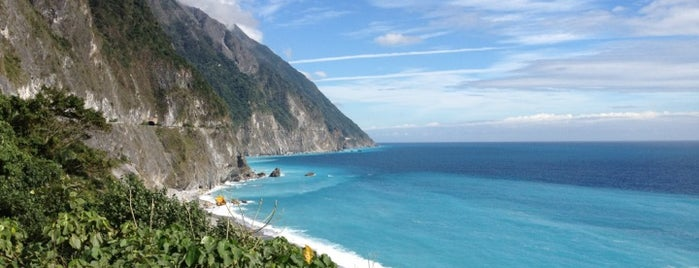 清水斷崖 The Cingshui Cliffs is one of Hualien - Taroko.
