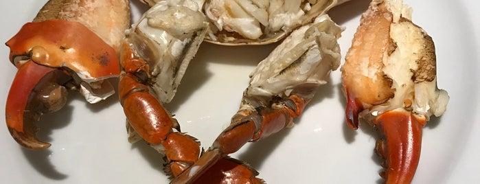 Laem Cha-Reon Seafood is one of Marisa 님이 좋아한 장소.