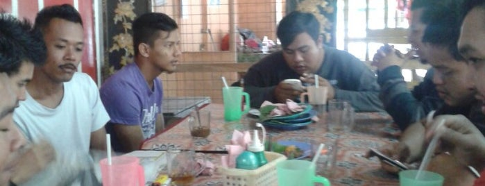 Kedai Nasi Lemak Payung Kuning is one of @Bentong, Pahang.