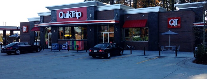 QuikTrip is one of Lieux qui ont plu à Carl.