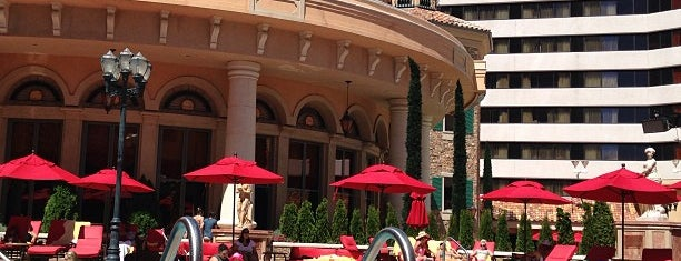 Peppermill Resort Spa Casino is one of Orte, die Alecia gefallen.