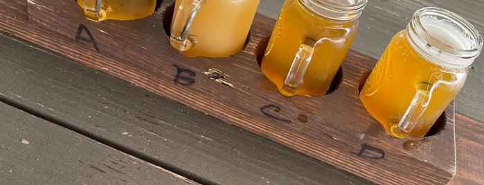 Blue Ghost Brewing Company is one of Posti salvati di Rachel.