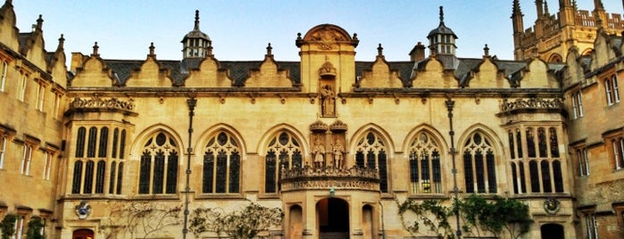Oriel College is one of London Favorites.