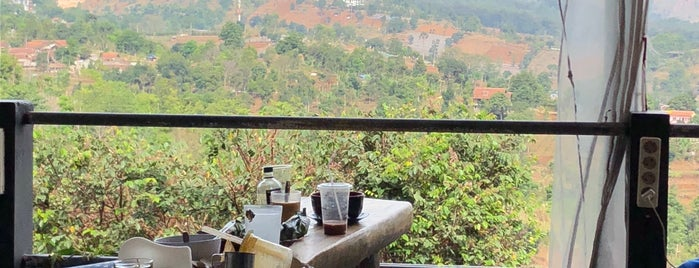 Lereng Anteng Panoramic Coffee Place is one of Rest & Relax @Bandung.