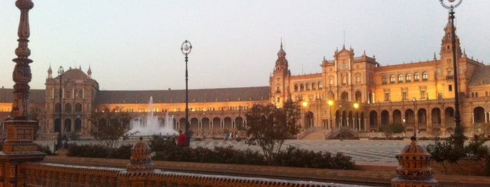 Plaza de España is one of Favorite Places Around the World.