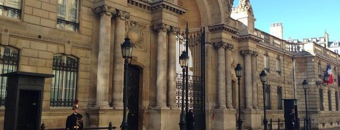 Élysée-Palast is one of Paris.