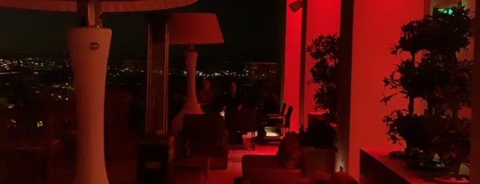 Hive & Honey Rooftop Bar is one of SoCal Activities.