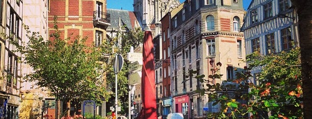 Rouen is one of Tempat yang Disukai Marc.