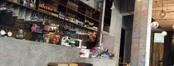Puro Café is one of JulienF 님이 좋아한 장소.