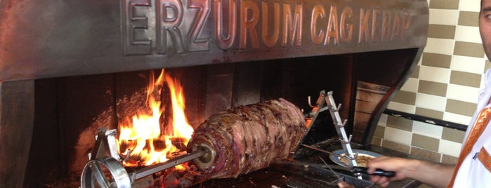 Erzurum Cağ  Kebap is one of Locais curtidos por Mukka.