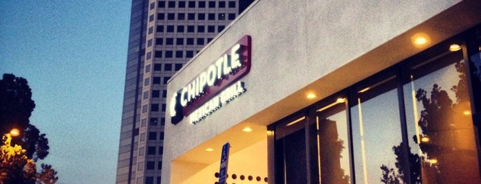 Chipotle Mexican Grill is one of Tempat yang Disukai Keith.