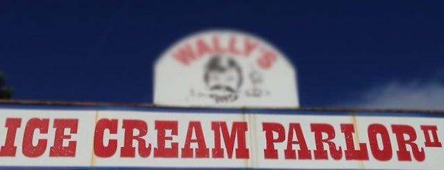 Wallys Ice Cream 2 is one of Tempat yang Disukai Gia.