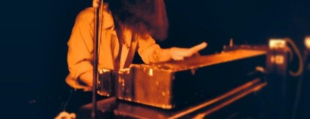 La Mécanique Ondulatoire is one of LIVE MUSIC PARIS.