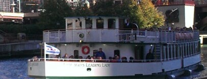 Chicago Architecture Foundation River Cruise is one of Locais curtidos por Jon.