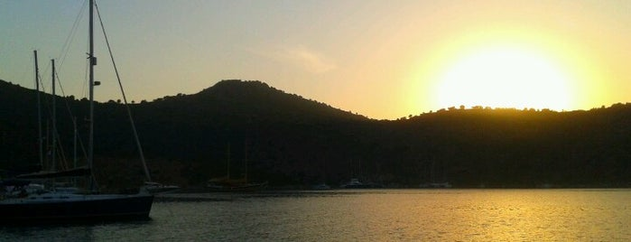 Dirsekbükü is one of Marmaris.