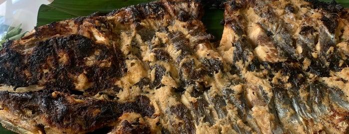 Pondok ikan bakar kalimantan(tol gate cimanggis) is one of Kuliner Bekasi.
