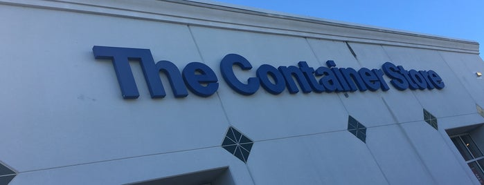 The Container Store is one of Lieux qui ont plu à Val.