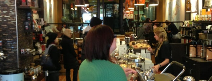 Evelyn's Coffee Bar is one of Banff / Canadá.