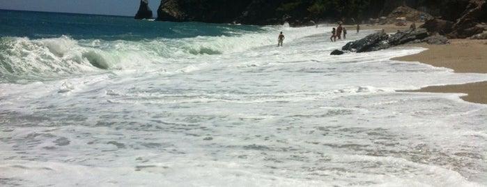 Agioi Saranta Beach is one of Lieux sauvegardés par lost.