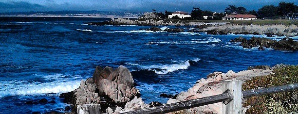 Monterey Bay is one of Tempat yang Disukai Barry.