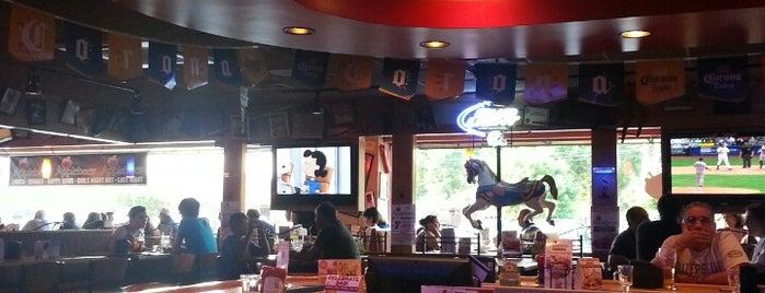 Applebee's Grill + Bar is one of Rossana 님이 좋아한 장소.